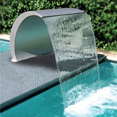 Cascade piscine cisne en inox piscine center net for Construction piscine inox