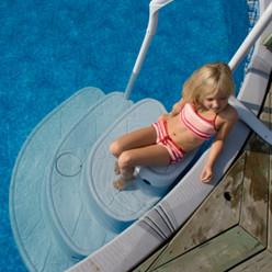 Escalier Majestique pour piscine à fond plat