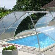 Abris piscine bas clair 14m x 6m à poser sur margelle